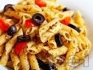 Рецепта Пене паста с песто от целина, чери домати и маслини